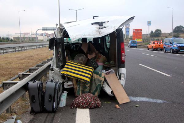 Bolu TEM otoyolunda otomobil minibüsle çarpıştı! Çok sayıda yaralı var - Sayfa 7