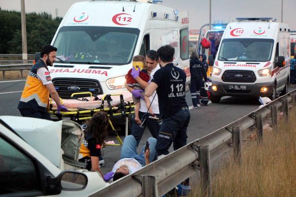 Bolu TEM otoyolunda otomobil minibüsle çarpıştı! Çok sayıda yaralı var - Sayfa 13