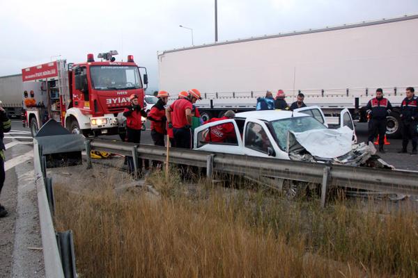 Bolu TEM otoyolunda otomobil minibüsle çarpıştı! Çok sayıda yaralı var - Sayfa 16