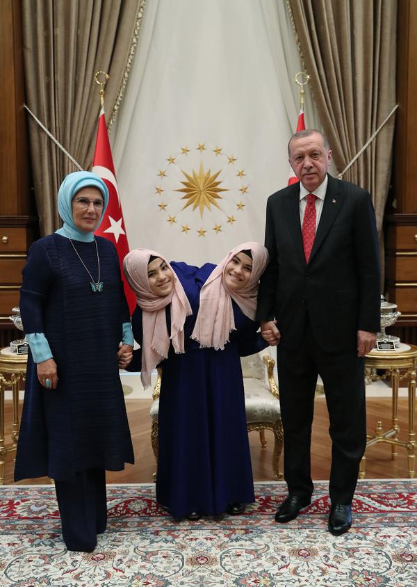 Cumhurbaşkanı Erdoğan siyam ikizlerini kabul etti - Sayfa 11