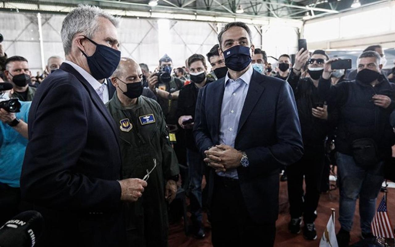Ο Έλληνας πρωθυπουργός πριν από την εναντίον της Τουρκίας αεροπορική άσκηση από τα λόγια του Μικοτάκη