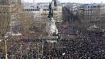 Paris'te dev Cumhuriyet Yürüyüşü!