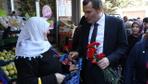 Zeytinburnu belediye başkan adayı Ömer Arısoy sokak sokak gezerek projelerini anlattı