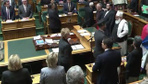 Yeni Zelanda Meclisi'nde Kuran okundu başbakan bakın ne yaptı?