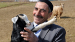 Bingöl'de köydeki çoban 8 yıl sonra başardı köye gelip fotoğraf çektiriyorlar