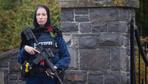 Yeni Zelanda'daki törende başörtüsü takan polisin kim olduğu ortaya çıktı