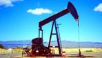 Petrol fiyatlarında haftalar sonra bir ilk düşmeye başladı
