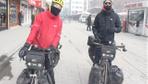 Dünya turu yapan bisikletli gezginler Ağrı'da