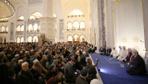 İstanbullular Berat Kandilinde camilere akın etti
