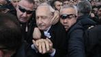 Şehit cenazesinde Kılıçdaroğlu'na bir grup tarafından saldırı