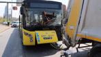 İETT otobüsü çöp kamyonuyla çarpıştı! Çok sayıda yaralı var