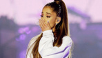 Dünyaca ünlü yıldız Ariana Grande, sahnede saldırıya uğradı