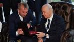 MHP lideri Bahçeli'ye çok özel hediye