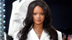 İç çamaşırı markasını çıkarmıştı! Rihanna Paris'te mağaza açtı!