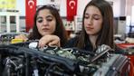 Antalya Mesleki ve Teknik Anadolu Lisesi öğrencileri mezun olmadan iş teklifi alıyor
