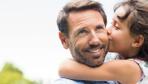 Babalar Günü mesajları duygusal kısa Babalar Günü sözleri