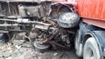 TIR ile çarpışan kamyonetin sürücüsü öldü