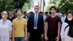 Milli Eğitim Bakanı Ziya Selçuk öğrencilerle oyun oynadı renkli anlar