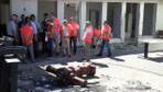 Yağmalanan UZEL fabrikasında sopalı nöbet