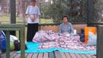 Denizli'de parkta yaşayan anne ve oğlunun yardımına devlet koştu