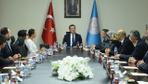 Milli Eğitim Bakanı Selçuk gazilerin öneri ve düşüncelerini dinleyerek not aldı