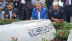 Mustafa Destici, Muhsin Yazıcıoğlu'nun mezarını ziyaret etti