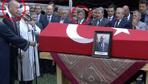 Erdoğan ve Davutoğlu cenazede bir araya geldi