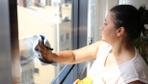 Antalya'da ev sahibi ile temizlik işçisinin 'cam silme' tartışması karakolda bitti
