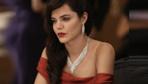 Hilal Altınbilek'in seksi kırmızı elbisesi yıktı geçti!