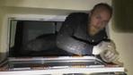 Kütahya'da hırsızlık şüphelisi havalandırma boşluğunda yakalandı