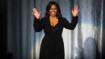 Taytlı spor pozu olay yarattı Michelle Obama'yı görenlerin ağzı açık kaldı