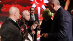 Mazhar Alanson ile Erdoğan arasında olay konuşma! Ödül alınca coştu