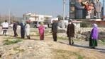 Mersin'de herkes bu evin önünde kuyruk oluşturdu! Kemal Sunal filmini hatırlattı