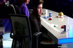 Jüri masasına düzenek kuran yarışmacı! Eser'i şaşkına çevirdi...