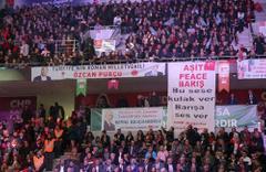 CHP Kurultay'ındaki o pankartlar toplatıldı!