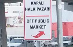 Kuşadası Belediyesi'nin İngilizce tabelası güldürdü