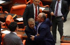 Meclis'de 'Bakan pazarlığı' kavgası