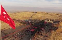 20 bin Erzurumlu ecdada yürüdü!