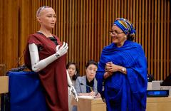 Robot Sophia aile kurmak istiyor!