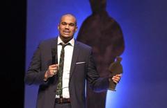 İsveç'in en prestijli edebiyat ödülü bir müslüman yazara gitti