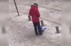 Karda yürüyemeyen oğluna tekme atmıştı, tutuklandı!