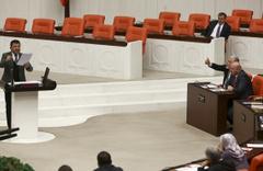 CHP'li Veli Ağbaba'nın sözleri Meclis'i gerdi