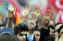 Bozkurtlar AK Parti'nin mitinginde!