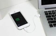 İPhone yeni modeliyle değil yeni kablo modeliyle dönüyor