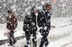 Mart'ın ortasında lapa lapa kar yağdı!