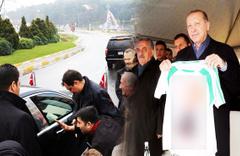 Erdoğan'ın yolunu kestiler! Hediye formada anlamlı yazı