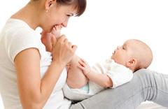 Çocuğu uyutmak için sallamalı mı, sallamamalı mı?