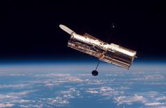 """Hubble Uranüs'teki """"auroraları"""" görüntüledi"""