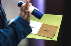 Yurt dışı 'mühürsüz oylar' da kabul edildi