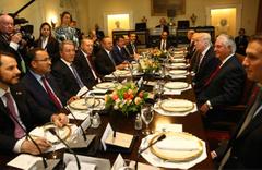 Beyaz Saray'daki fotoğrafa dikkat!